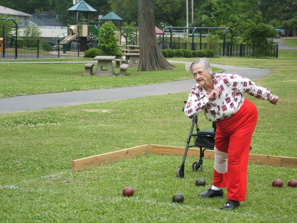bocceball-old-lady