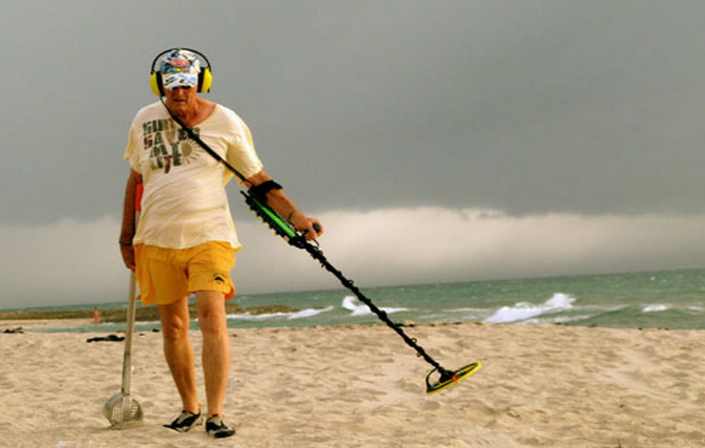 Metal Detector Beach Weirdos Are Just Guys That Want To Be Left Alone – MailTime