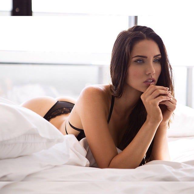 Una cui nude women Russia