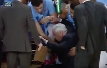Roy Williams Collapses On The UNC Sideline