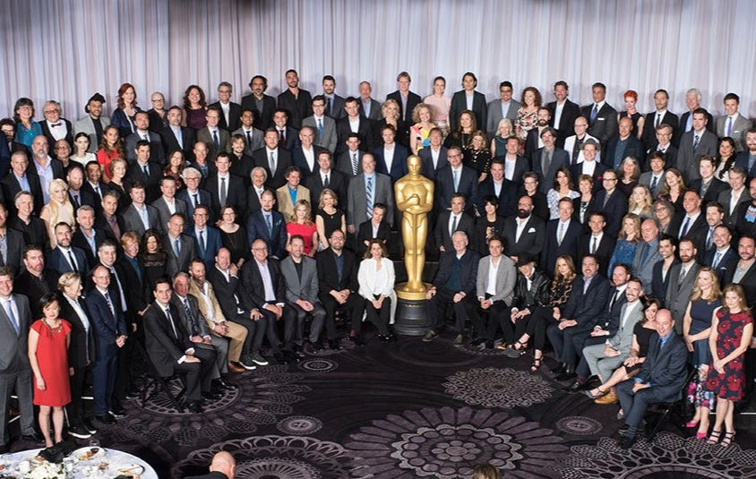 Love The 2016 Oscars Class Photo Throwing The Whiteness In Everyone's Face