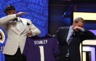 And Here's Roger Goodell Dabbing On Stage At The NFL Draft