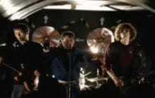 Wake Up With Kaiser Chiefs – I Predict A Riot