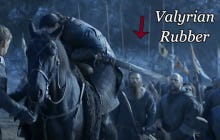 Jon Snow's Valyrian Steel Sword Flopping Around Like A Piece Of Rubber Is Pretty Funny