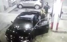 A Guy Pulling A Handgun On Another Dude At A Gas Station Got A Big Surprise When The Dude Got An AK Out Of His Car