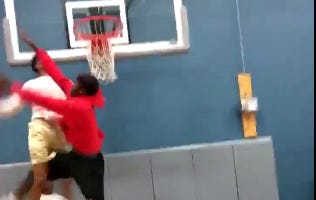 This Might Be The Most Disrespectful Dunk These Eyes Have Ever Seen