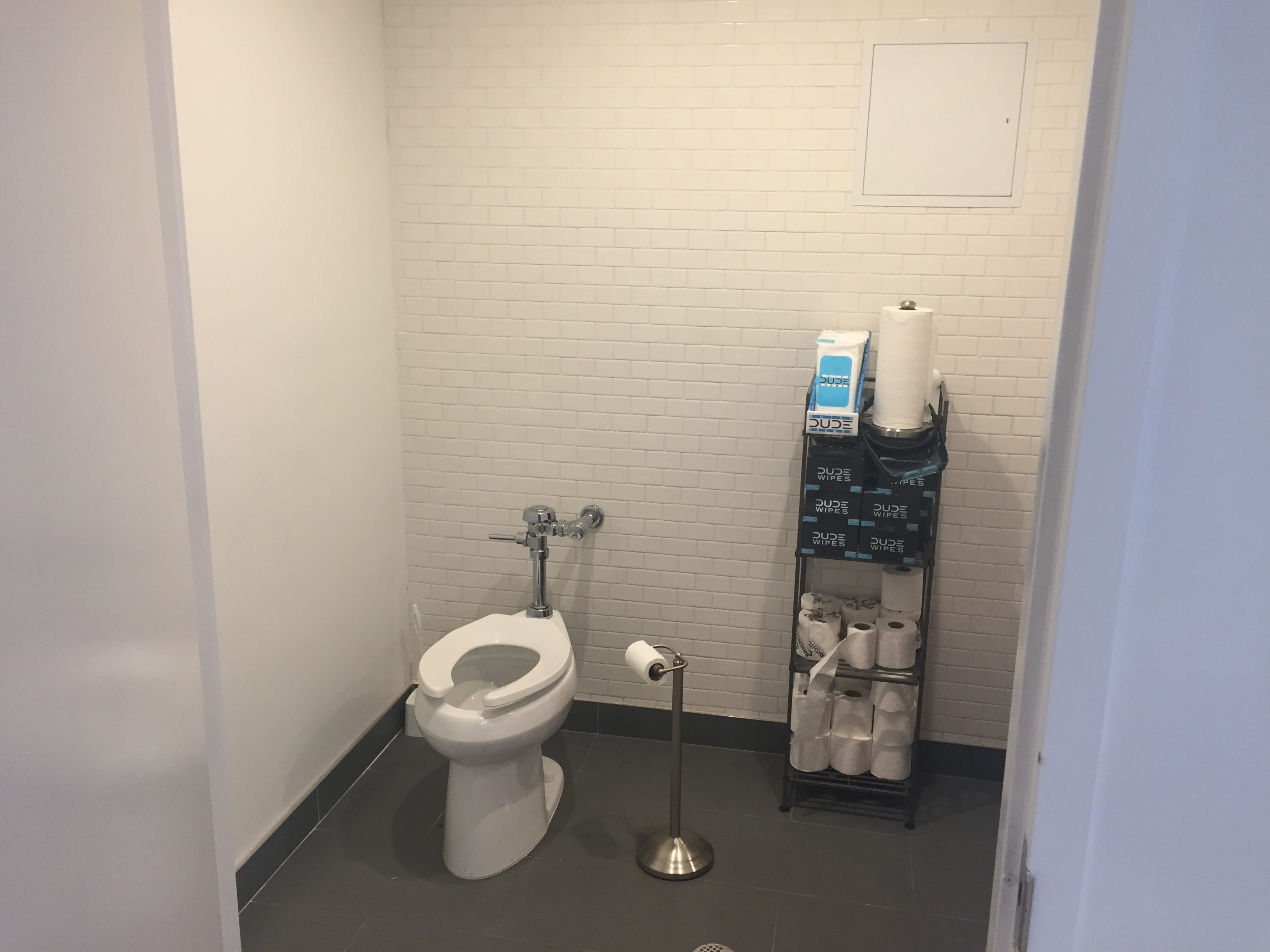 Nothing clears out a night of drinking like a few dozen trips to the bathroom. I am now prepared to give you my thoughts on Barstool HQ bathroom.