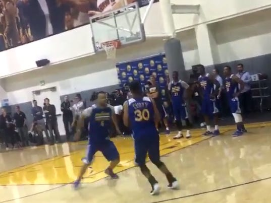 Steph Curry Was Back To Doing Crazy Steph Curry Things Yesterday