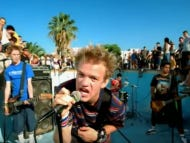 Wake Up With Sum 41 – In Too Deep