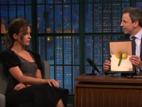 Kate Beckinsale Loves To Make Dicks Out Of Fruits