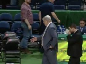 The Siena Coach Going Through An Imaginary Handshake Line All By Himself Was My Favorite College Sports Moment Of The Year