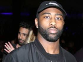 Darrelle Revis Involved In A 5 Person Brawl At A Pittsburgh Bar
