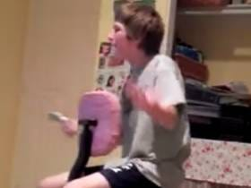 Wake Up With This Kid Having A Complete Mental Breakdown Over Call Of Duty