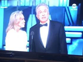 BEST OSCARS ENDING EVER:  Warren Beatty And Faye Dunaway Announce La La Land Wins Best Picture...Oops...Turns Out It Was Moonlight