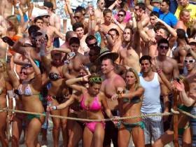 Mexico Politely Requests That Spring Breakers Obey the Rules, Stay Safe and Keep the