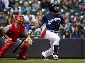 Eric Thames Ends Elongated Three-Game Homerless Drought, Hits Two More Bombs Against Reds