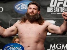 Bellator Continues Snatching Up UFC Stars, Signs Roy