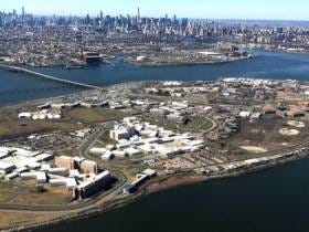Inmate Escapes Rikers Island, Prison Responds By Locking Visitors In Busses