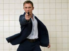 Money Always Wins: Daniel Craig Who Once Said He'd Rather Slash His Wrists Than Play Bond Again, Is Getting $135 MILLION To Play Bond Again
