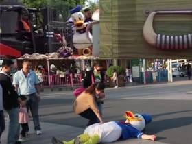 Donald Duck at Shanghai Disneyland Steals My Shtick; Passes Out Due to Heat Exhaustion