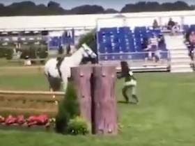 Stuck-Up Johnson & Johnson Heiress Kicks Her Horse In The Stomach After She Gets Booted