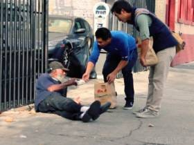 9 People In California Are Facing Misdemeanors For Feeding The Homeless