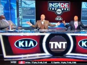 Charles Barkley and Shaq Couldn't Stop Laughing at The LAPD Showing Up To The Clippers Locker Room Last Night
