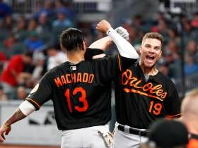 Manny Machado Homers In The 15th Inning To Beat The Braves