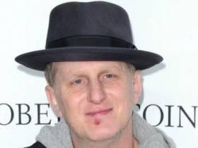 Sad Story: D List Actor With A Slight STD Problem Traps Plane Of Innocent Travelers Inside